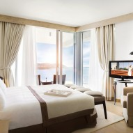 3.Hotel Rooms & Suites
